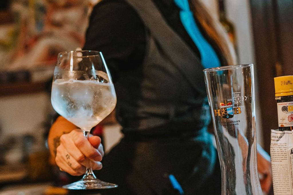 club-hotel-residence-cala-gonone-sardegna-barman