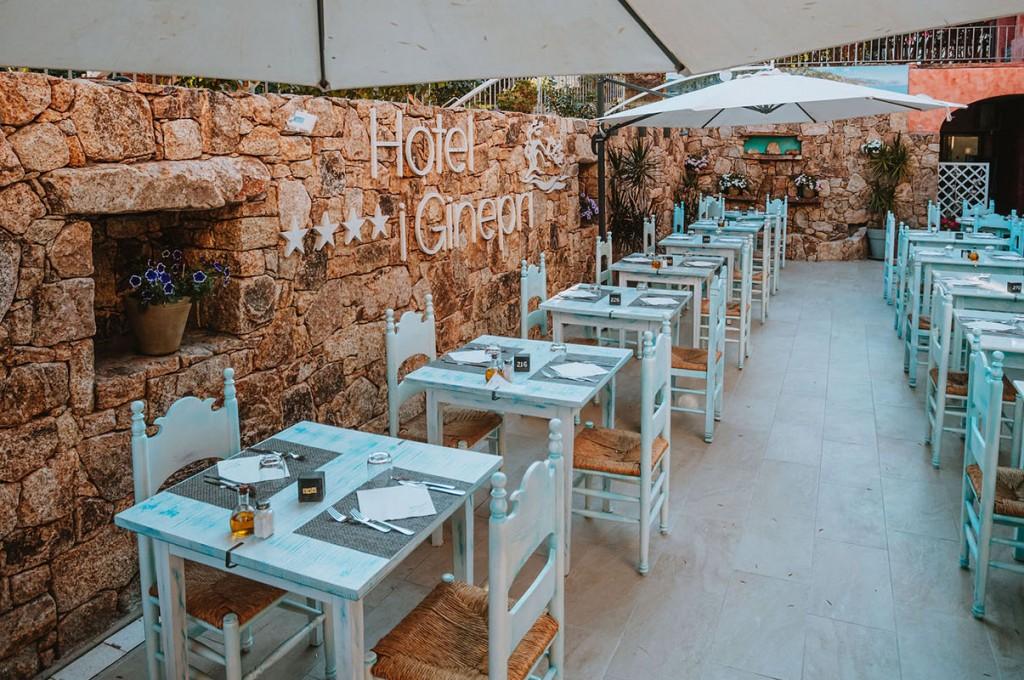 club-hotel-residence-cala-gonone-sardegna-colazione-sala