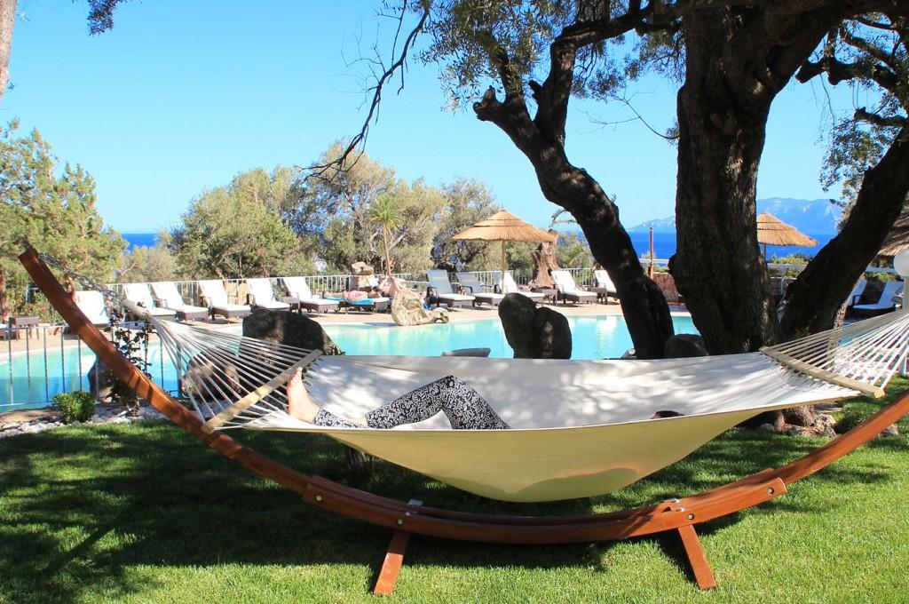 club-hotel-residence-cala-gonone-sardegna-la-piscina