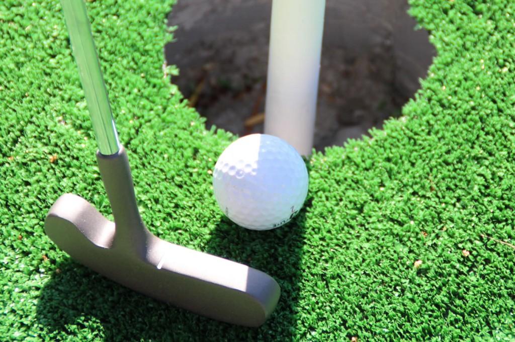 club-hotel-residence-cala-gonone-sardegna-mini-golf3