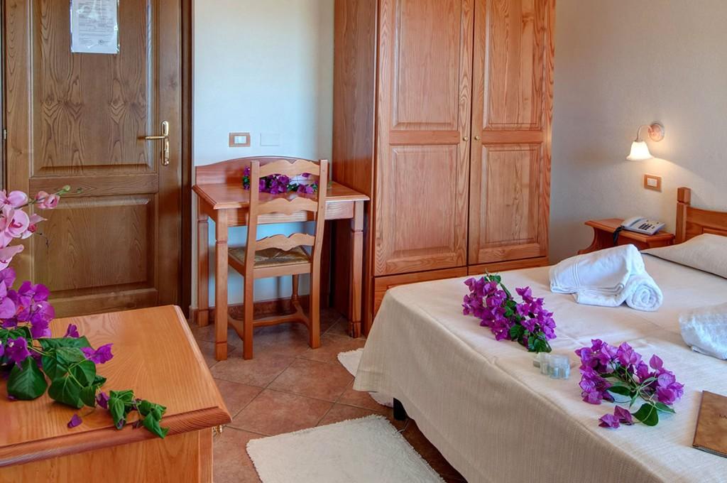 hotel-i-ginepri-cala-gonone-sardegna-le-camere31